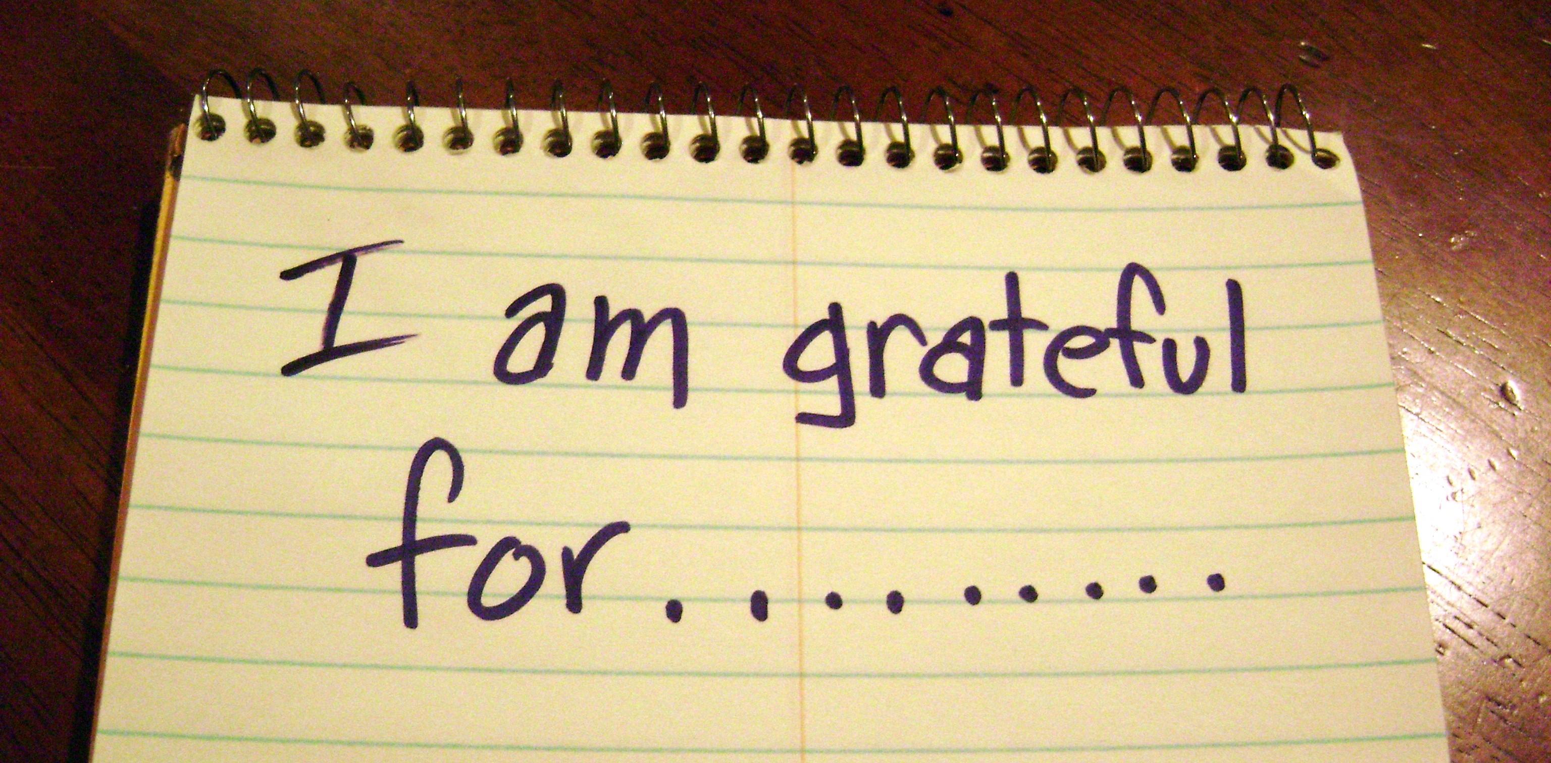 gratitud en papel