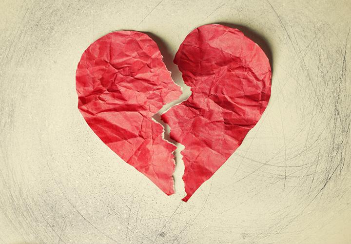 Corazón de Bruja — Marzo 2026 Tienes-el-sindrome-del-corazon-roto