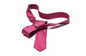 corbata en fondo blanco